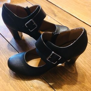 Black Mary Janes. Brand Nicole. Size 8 1/2.